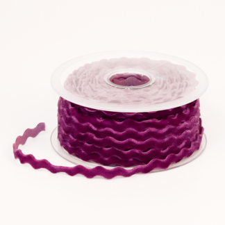 Wavy edged velvet ribbon tapes
